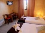 logis-hotel-le-pressoir-st-chinian-1
